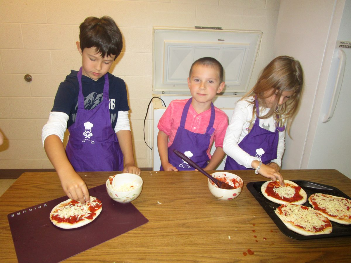Grade 1/2 Class Enjoys Cooking Pizza